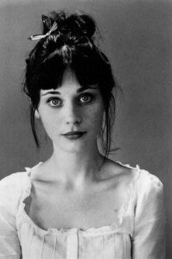 coeurdesreves:  Zooey Deschanel ♥