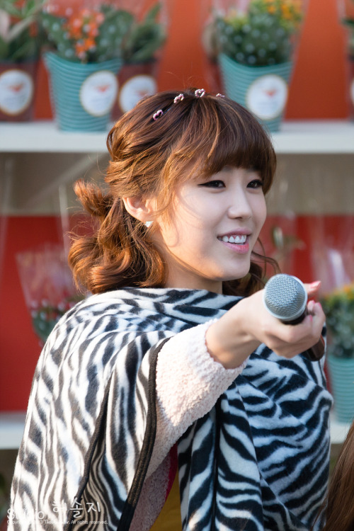 [FANTAKEN] New Life for ChildrenHyosung2013.04.24Source: The Studio DO NOT EDIT