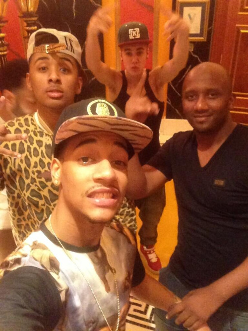 @Yung_Dew: With my family!! @justinbieber @lilza @princemoham