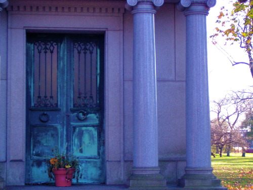 Graceland Cemetery, Chicago.