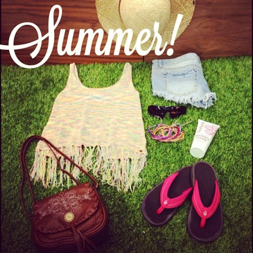 Just a couple of Summer must haves for the serious beach babes out there! #summer13 #beachday #cutoffdenim #whalebonesurfshop #summersweater #olukai #cute #puravidabracelets #love #recoverycream #sunnies #fashion #beachhat @oneillgirls @billabonggirls @ripcurl_usa