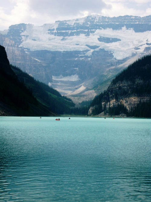 nosens:  Lake Louise (by I Love Roxie)