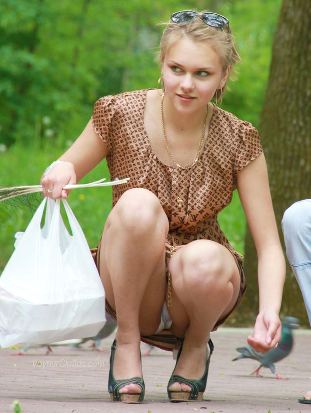 Продавщица под юбкой 11 фотография
