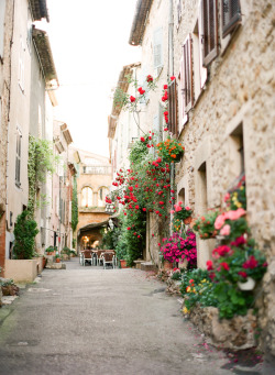 travelingcolors:  Valbonne | France (by kalliebrynn)