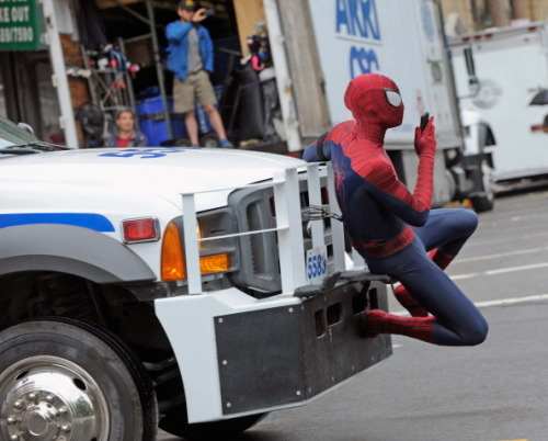 andrew-garfield-hair:  Spider-Man getting around in Style.
