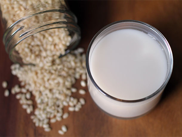 veganrecipecollection:  (via DIY Rice Milk | Serious Eats : Recipes)