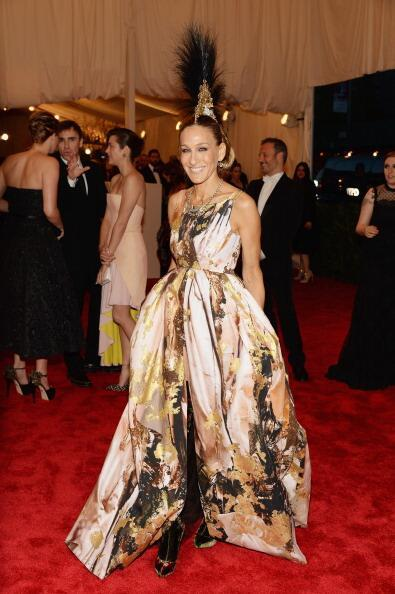I can't get over Sarah Jessica Parker in Giles Deacon, she is my favorite of the night! Ya'll can go home she served you bitches