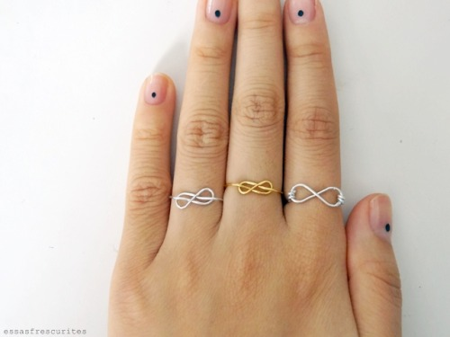 truebluemeandyou:  DIY Two Wire Infinity Rings Tutorials from Essas Frescurites here. I used Chrome to translate to English. For more easy wire ear cuffs and wire ring DIYs go here: truebluemeandyou.tumblr.com/tagged/essas-frescurities and for wire jewelry DIYs go here: truebluemeandyou.tumblr.com/tagged/wire