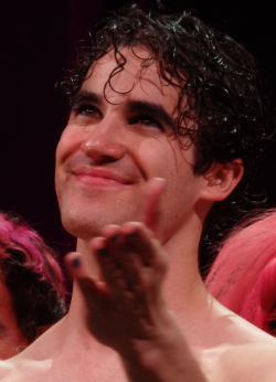 DarrenIsHedwig - Pics and gifs of Darren in Hedwig and the Angry Inch on Broadway. - Page 2 Tumblr_nrsvuhYeuL1s9mvn1o2_250