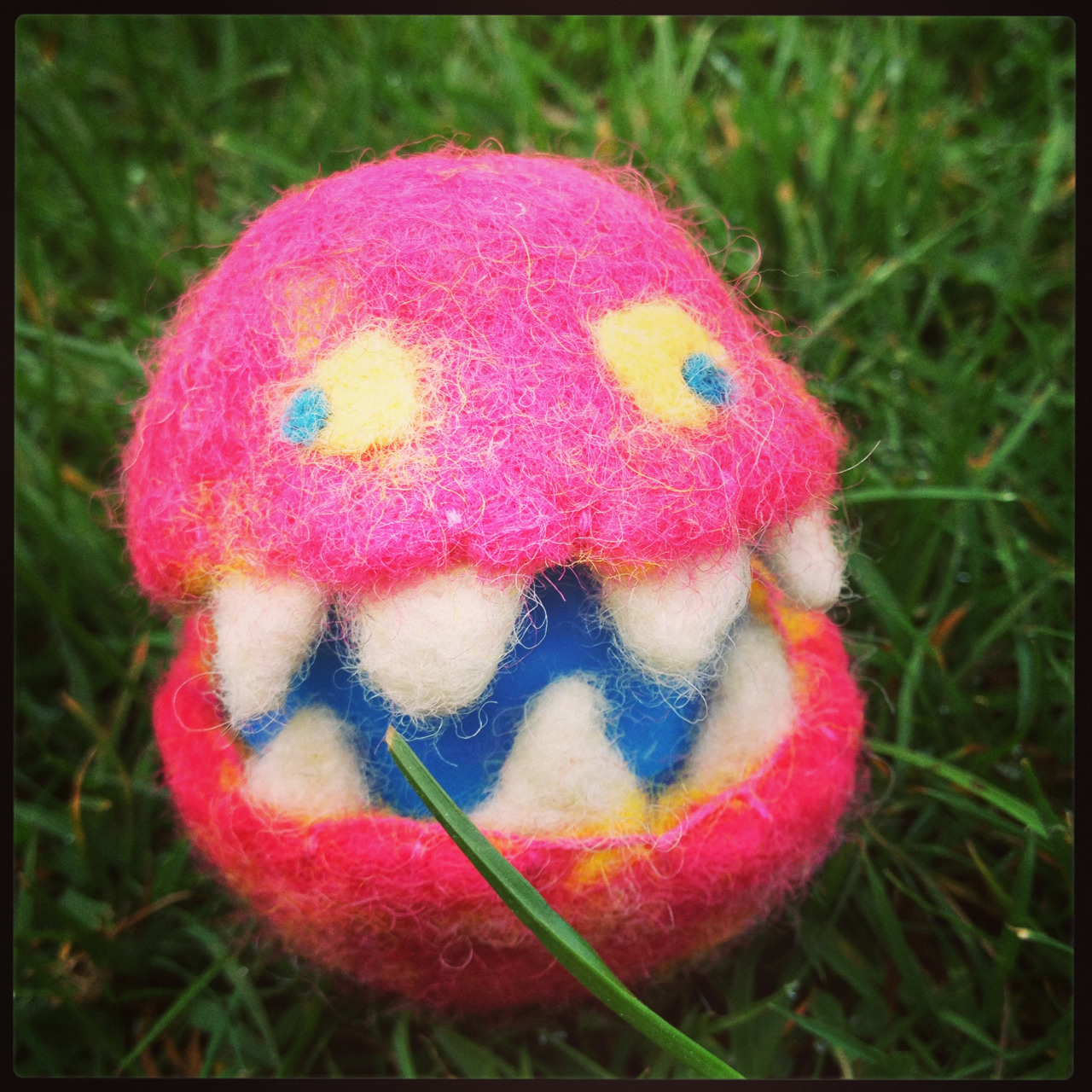 Easter Egg Monster. The other night, the lovely Rachel Robinson taught me how to felt. It was pretty freakin' fun in a meditative, sipping tea, wool arts kind of way and I only stabbed my finger a couple times! We made Easter eggs and I turned mine into a monster. Rachel has a link to the instructions we used on her pinterest if you are feeling crafty.