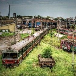 acidinks:  CZESTOCHOWA, POLAND'S ABANDONED TRAIN DEPOT - Graffers Dream! Film ready!