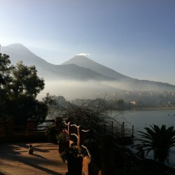 #volcano #dawn #lake #nature #atitlan (at Samtiago Atitlan)
