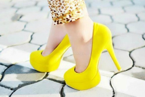 Yellow shoes :) on We Heart It - http://weheartit.com/entry/52655382/via/natya