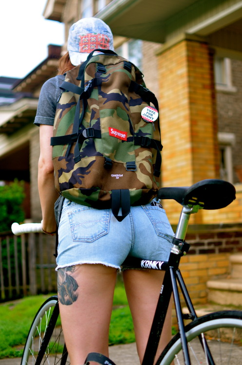 endangeredmemories:  fixed gear babe (first photo ive taken in 6+ months)