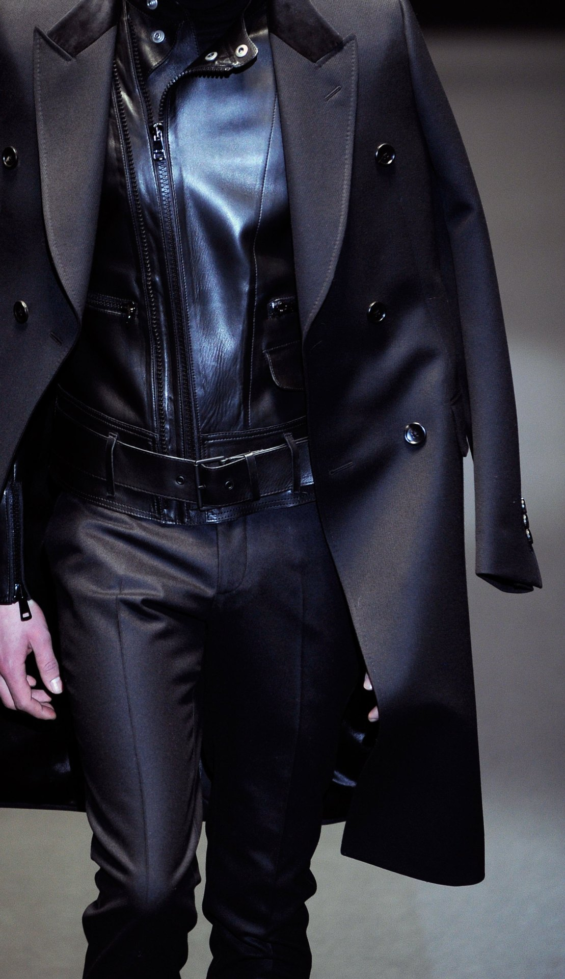 wgsn:  Sharp #tailored looks were paired with smooth glossy #leather at the @Gucci #AW13 #menswear show. Subscribers can read our full report on the show here.  Gucci X Leather