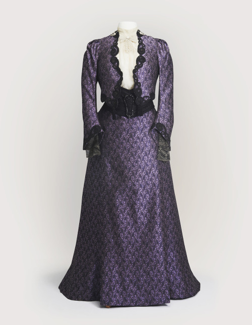 Costume worn by Maggie Smith in Downton Abbey From Cosprop