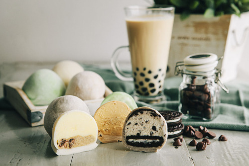 vysanthe:  Mochi ice cream and bubble tea?!