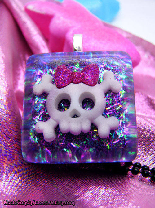 (via SALE Skull and bones with bow purple resin by littlecandysweets)