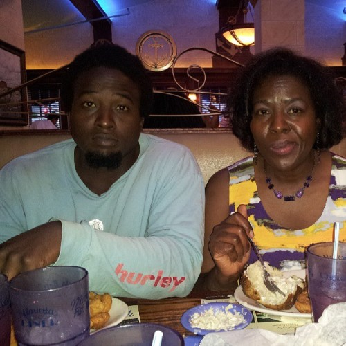 Dinner with mom and brother. (at Marietta Fish Market)