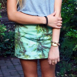 teafolly:  want this skirt waaa too expensive, love ksubi