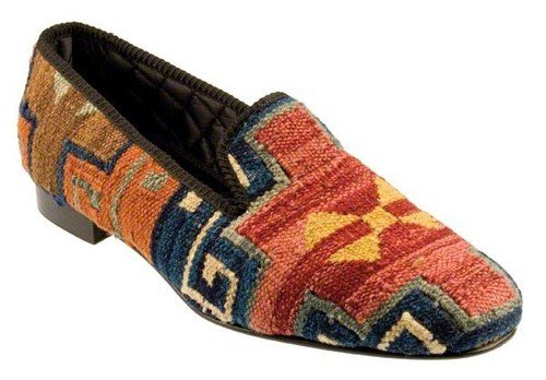 Shipton & Heneage Kilim Slipper Made from one-of-a-kind Turkish Kilim rugs, these slippers are a refreshing alternative to all those solid colored versions out there. Plus, due to the craftsmanship of the rugs, each pair sports a unique pattern…