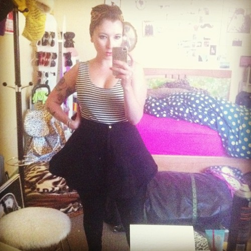 And I fit back into my favorite skirt! #americanapparel #toobusytoeat #rocknroll #rockabilly #leopardprint #fashion