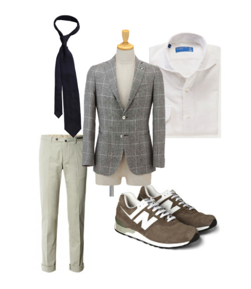 A tailored look combined with a pair of New Balance runners, I guess you could say hate it or love it. Sportcoat: Finamore, Shirt: Barba, Trousers: PT01, Tie: P. Johnson, Sneakers: New Balance 576.