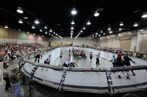 whoopcdaisy:  The first modern Banked Track Roller Derby bout in Oklahoma City. #BringBankedTrackBack!