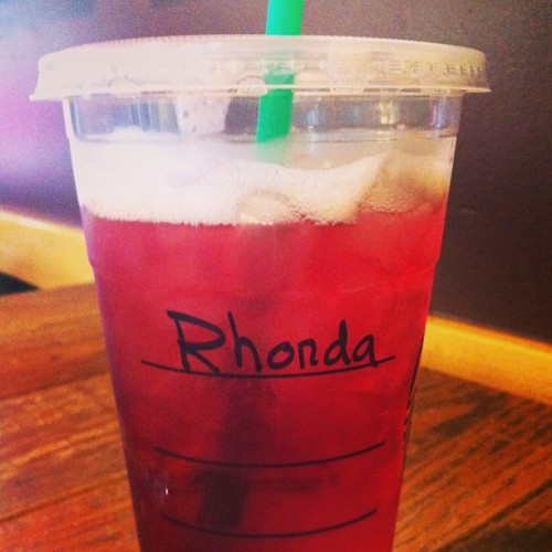 Ok seriously, not even close. #veronicaproblems #rhonda isntmyname#iguessimumble #starbucks #passiontea