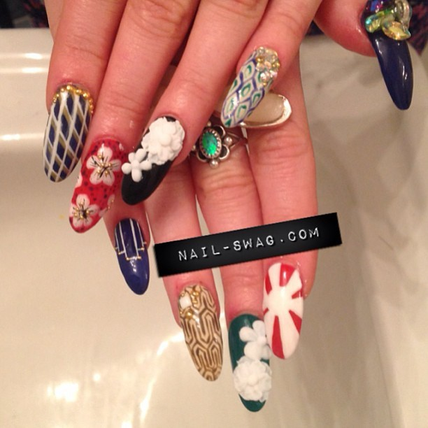THE GEISHA NAIL for @sideara! Started messing with 3D flowers…. Not mad! #nailswag #nails #nailart #nailartclub #naillabo #swag #LA