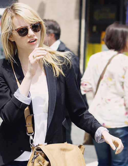 Emma Stone | out & about in NYC [May 17,2013]