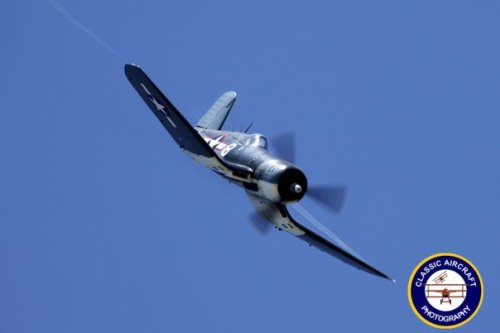 ghost-in-a-spitfire:  Corsair.  Classic Aircraft Photography  Love the curved wing shape on the Corsair.