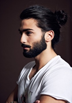 otto:  the-reluctant-optimist:  Next hairdo.  his facial hair is on point.  My favorite hair style on a guy for sure.
