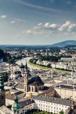 allthingseurope:   Salzburg Skyline (by Michelle Cardwell)