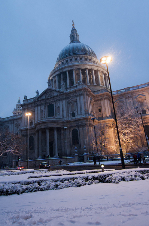 St. Pauls in the snow 20/1/13