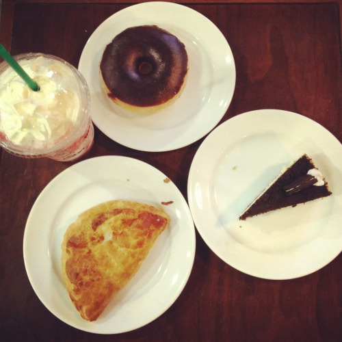 Starbucks, Calamba Choco dipped donut, chicken empanada, oreo cheesecake and strawberry frappe.
