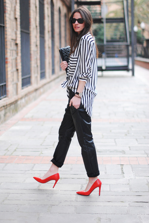the-streetstyle:  Stripes and Red Heelsvia fashionvibe