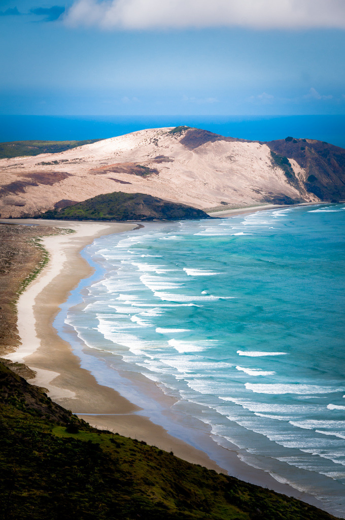 refluent:  Cape Reinga (by Zanthia)