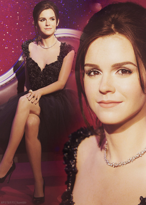 Madame Tussauds reveals Emma Watson's new wax work. (Source)
