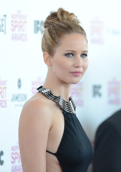 canseethrough:  Can see through Jennifer Lawrence