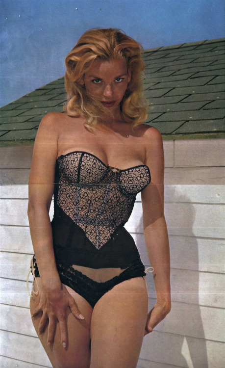 hollyhocksandtulips:  Eve Meyer