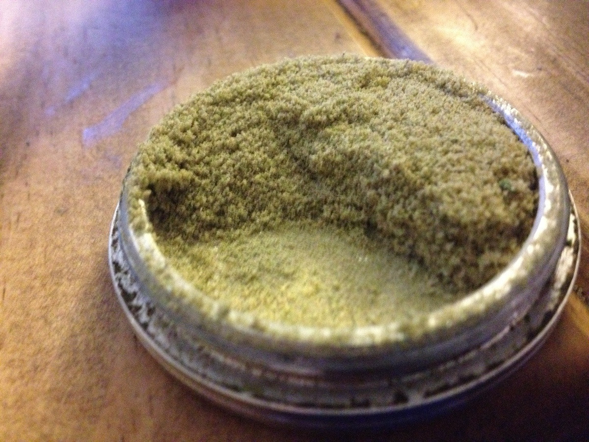 weedporndaily:  So my grinder was stuck.