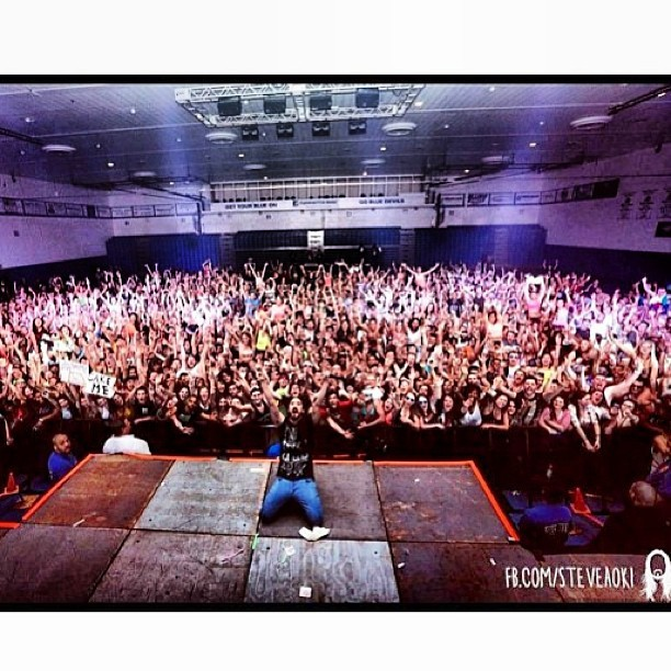 #tbt @steveaoki live show at #CCSU, another sold out venue for the @karmaloop @vergecampus tour. Steven knows how to party.