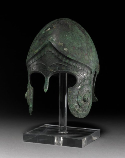 "Bronze ""Chalcidian"" type helmet 450-400 BC Classical Greek (Source: The British Museum)"