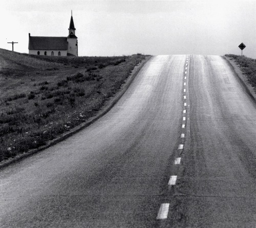 luzfosca:  David Plowden Approaching the 98th Meridian, North Dakota, 1968 From Beinecke Rare Book and Manuscript Library