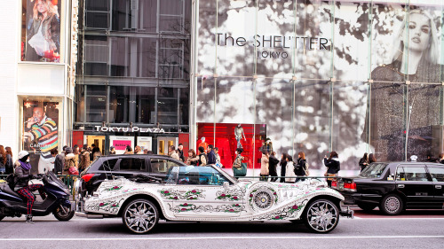 tokyo-fashion:  Super-bling car spotted in Harajuku. It has an LV logo on the spare tire!
