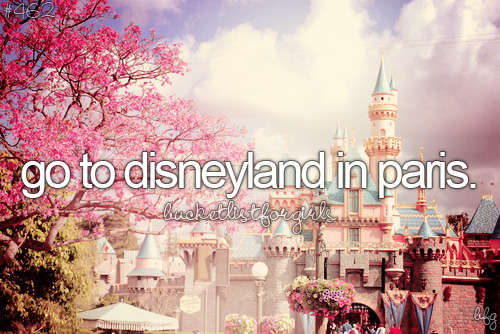 I Love Disneyland in Paris!!! <3