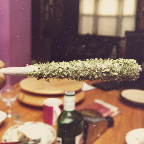 cannablong:  Follow:http://cannablong.tumblr.com/