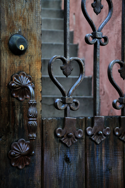 prettie-sweet:  (wrought) iron heart (by rsj211)