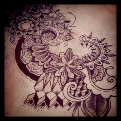 #julao #mandala #flower#power#hippie shit #tattoo #dotwork #lalilou#love#katmandou